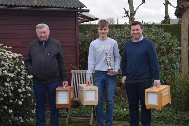 Paul, Wim en Edward Deveugele uit Nieuwenhove vormen drie generaties vinkeniers