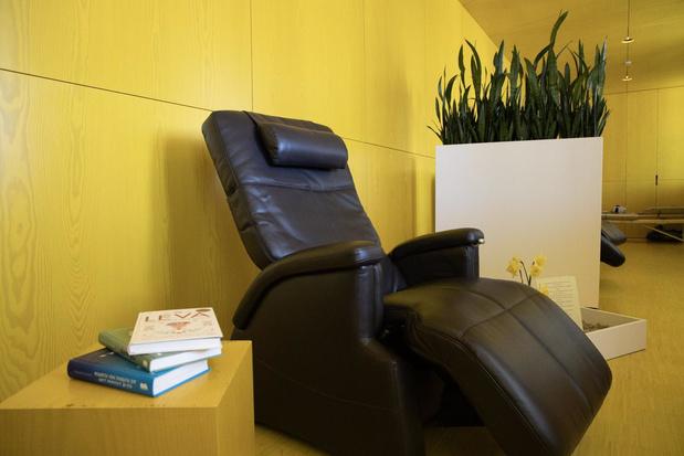 Zorgmedewerkers van AZ Groeninge kunnen op adem komen in nieuwe lounge