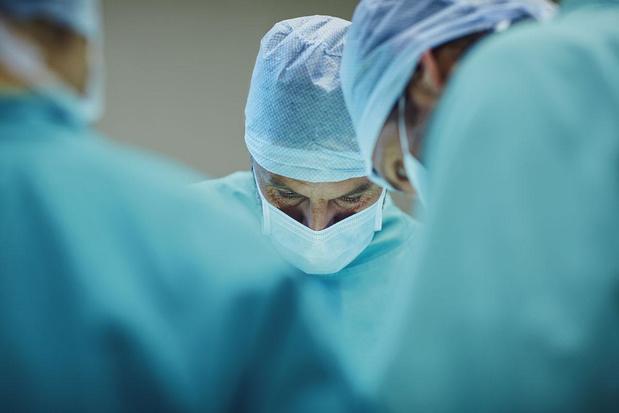 """"""" L'opération est une aide, pas une solution miracle """""""