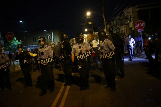 Burgemeester Philadelphia heft uitgaansverbod op en roept op om 'thuis' te blijven