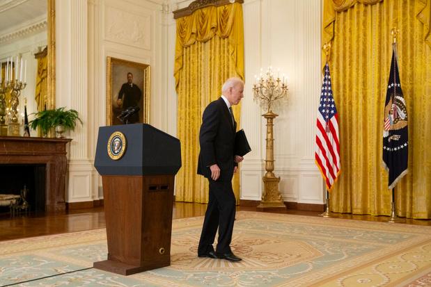 Biden annonce que son objectif de 100 millions d'injections sera atteint vendredi