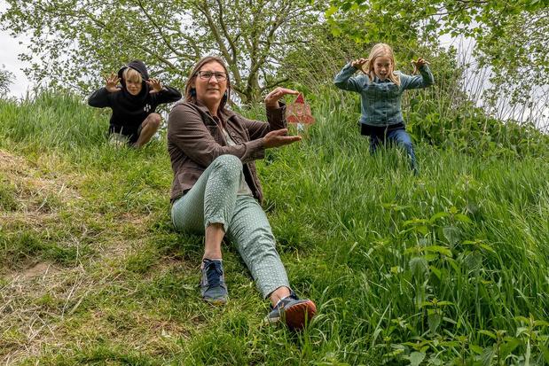 Hilde Snauwaert uit Tielt zet kleuters aan het werk in het speelbos