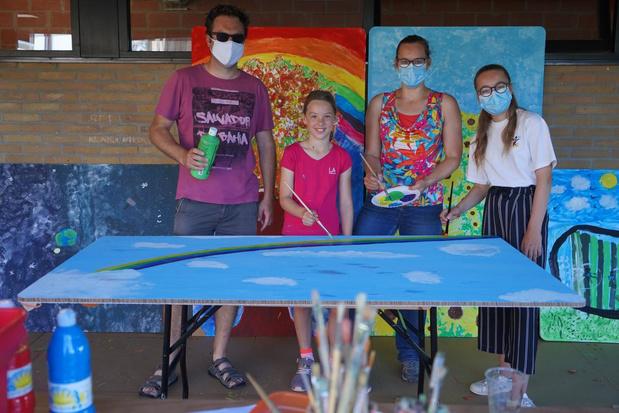 Creatieve geesten schilderen mee aan paintwall in Meulebeke