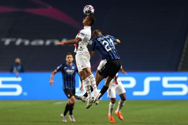 PSG doet het Atalanta van Timothy Castagne in blessuretijd de das om