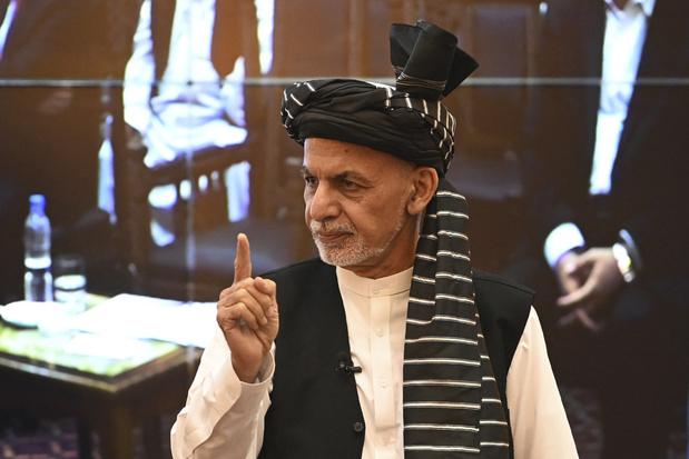 Gevluchte ex-Afghaanse president Ghani biedt excuses aan