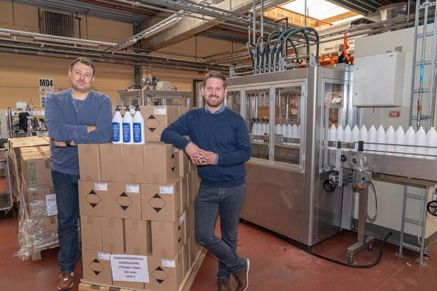 Carin Haircosmetics produceerde al 40.000 liter ontsmettende handgel