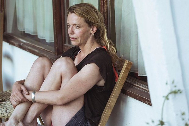 Actrice Sara De Bosschere in Liebe Jelinek: 'Moeders moet je mogen haten'