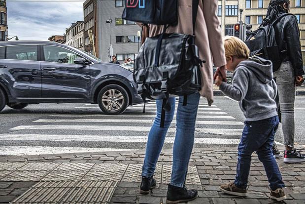 'Laat steden en gemeenten SUV's weren'