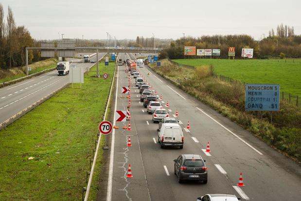 Politie doet 'shoppers' en 'familiebezoekers' rechtsomkeer maken aan Frans-Belgische grens