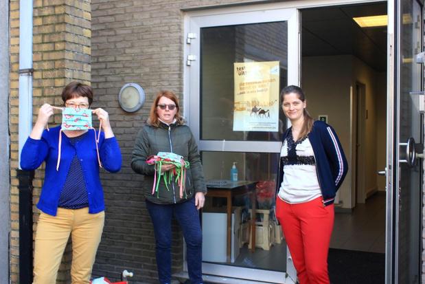 Retouches Katrien maakt maskers voor De Groene Verte in Merkem