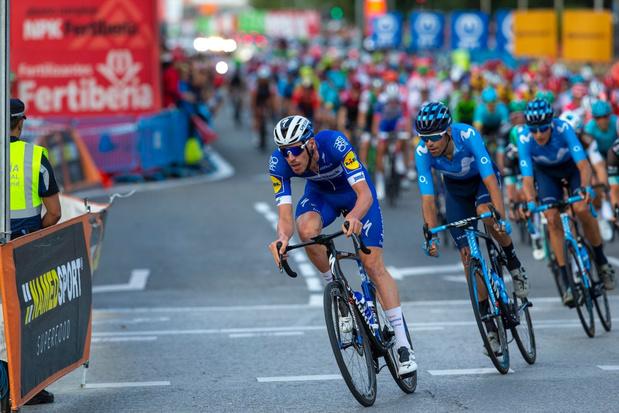 Peloton begint aan 75e editie Vuelta, coronavirus overschaduwt start