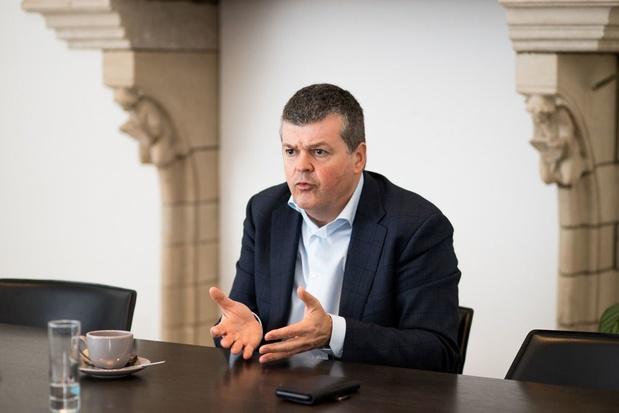 Bart Somers: 'Desinformatie rond asielcentra tegengaan'