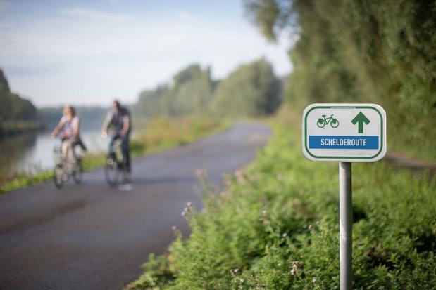 Vlaanderen lanceert drie nieuwe icoonfietsroutes