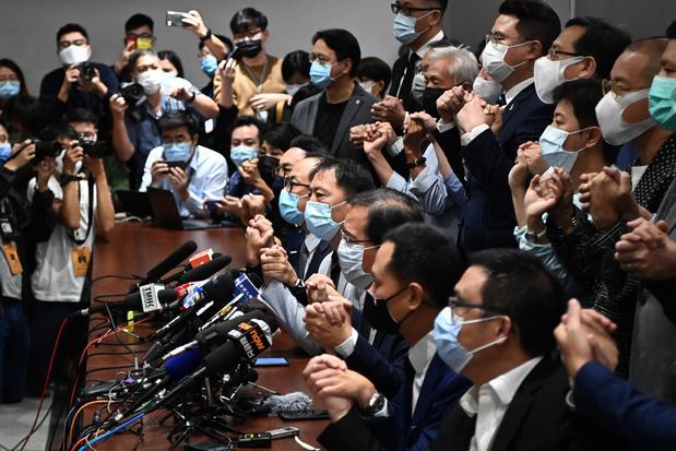 Opnieuw onrustig in Hongkong: alle prodemocratische parlementsleden stappen op
