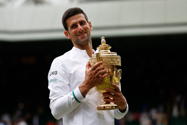 Novak Djokovic wint Wimbledon en evenaart recordhouders Federer en Nadal