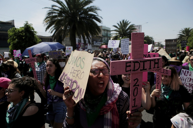 Vrouwen over heel de wereld op straat voor gelijkheid