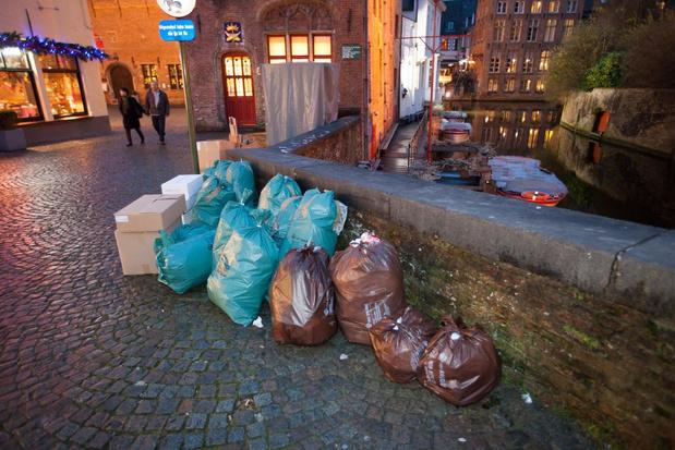 Afvalzakken worden 10 cent duurder in Brugge