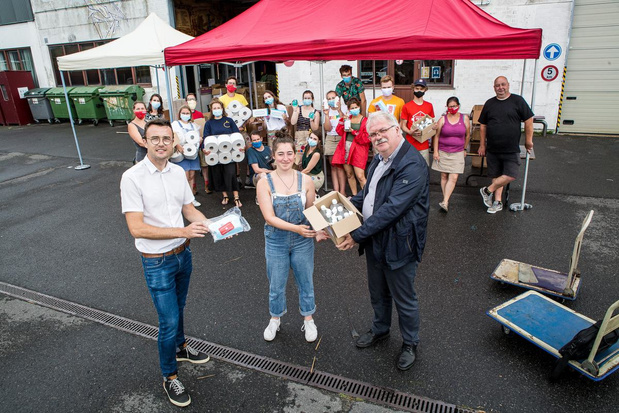 Brugge is verdeelpunt van hygiënische pakketten voor jeugdkampen