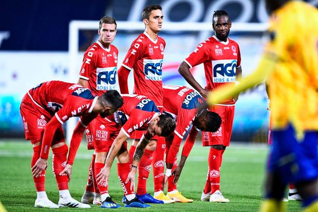 KV Kortrijk haalt spits en verdedigende middenvelder