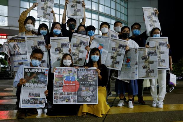 Hongkongse oppositiekrant schoffeert Peking en krijgt de doodsteek
