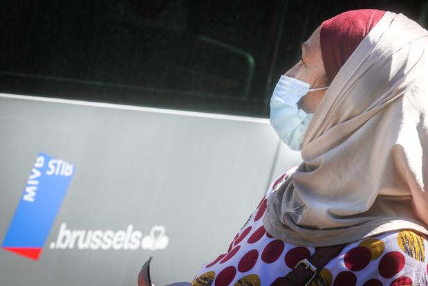 Hoofddoekendiscussie escaleert: dossier belandt op Brusselse regeringstafel