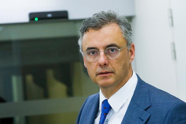 Koning start consultaties met Coens, Rousseau en Prévot