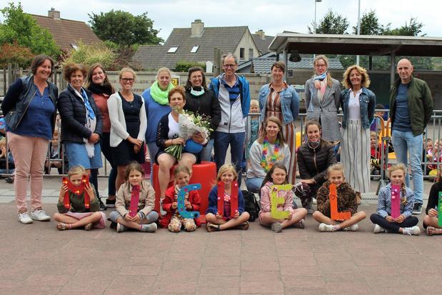 Micheline Vantyghem zwaait haar geliefde school H. Familie vaarwel