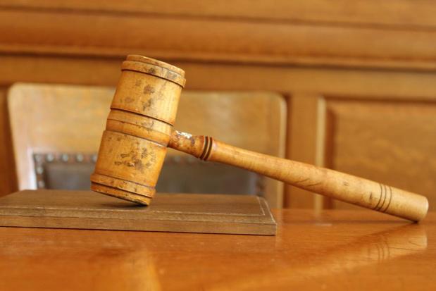 40 maanden cel voor dubbele ramkraak op Knokse luxeboetieks