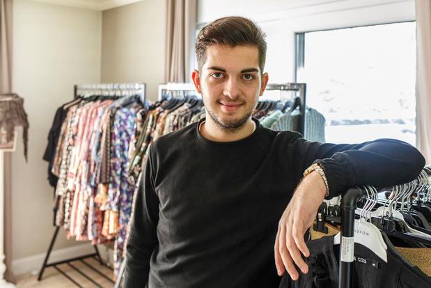 Jonge ondernemer uit Sint-Eloois-Winkel start kledingzaak