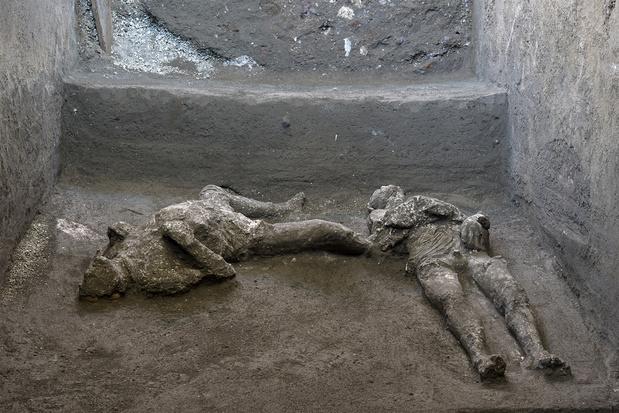Goedbewaarde resten van een meester en slaaf gevonden in Pompeï