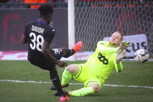Erg efficiënt Anderlecht wint topper tegen Standard