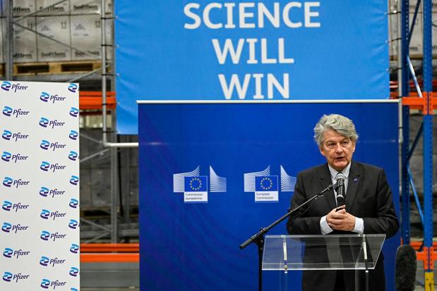 Commissaire européen : l'usine de Puurs devrait produire 100 millions de doses par mois d'ici fin juin