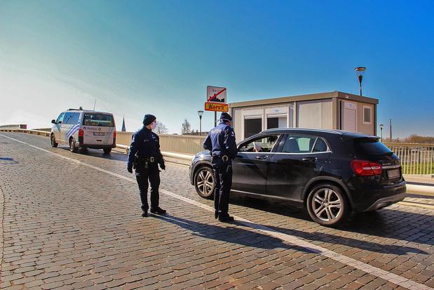 Pop-upbureau in container voor grenscontroles in Wervik