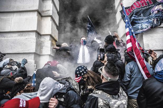 Bestorming Capitool was het werk van Trump-aanhangers, niet Antifa, aldus FBI