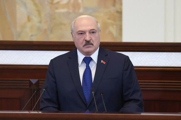 Loekasjenko 'liquideert' tientallen Wit-Russische ngo's