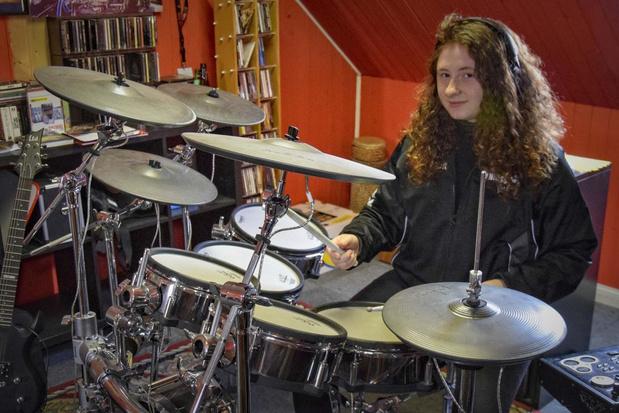 "Hailie Carette (15) mocht op Alcatraz drummen voor massa volk: ""Onvergetelijke ervaring"""