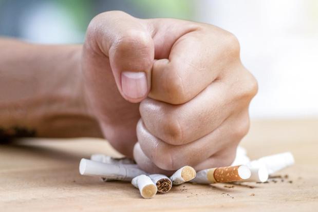 1 januari 2021: enkel nog neutrale pakjes en geen tabaksreclame meer in krantenwinkels