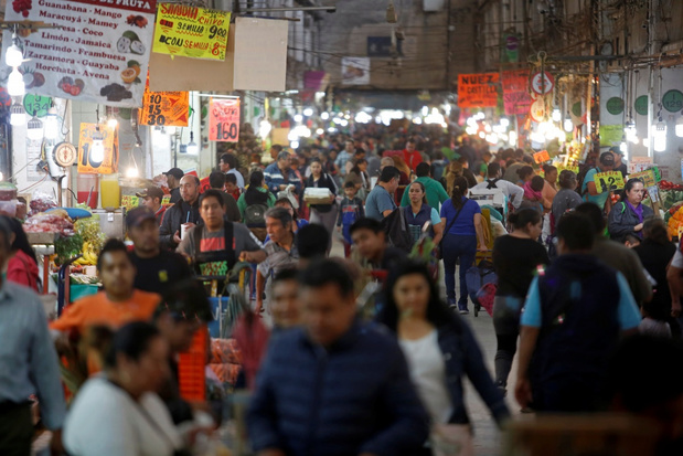 Mexicaanse president zweert bij geluksbrengers om coronavirus te bestrijden