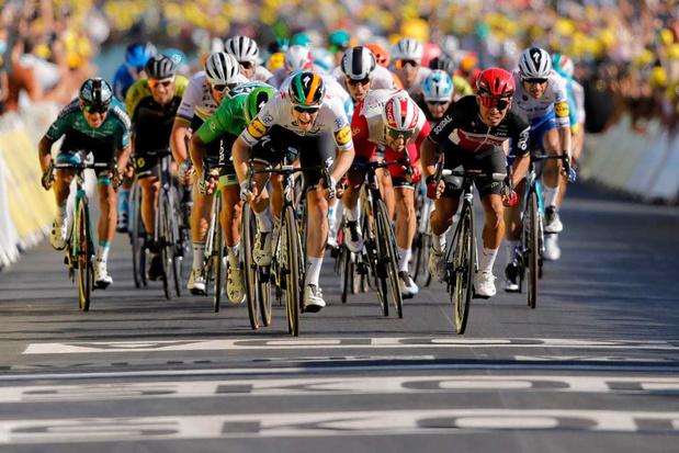Sam Bennett naar sprint naar zege in tiende Tour-etappe