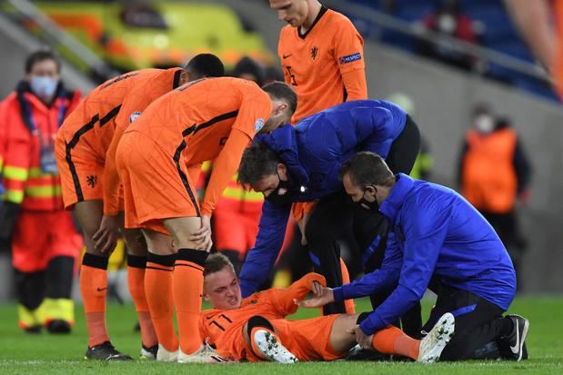 Club Brugge-aanvaller Noa Lang verlaat Jong Oranje met bovenbeenblessure