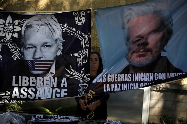 'Hij verdient een kans': Mexico tart VS door Assange asiel te bieden