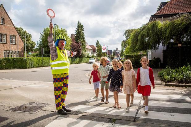 Fieto de clown bezorgt Brugse wegpiraten verkeersboete