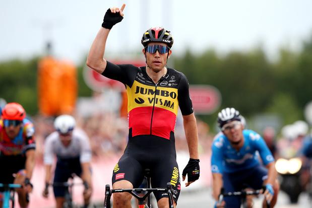 Van Aert sprint naar derde ritzege in Ronde van Groot-Brittannië