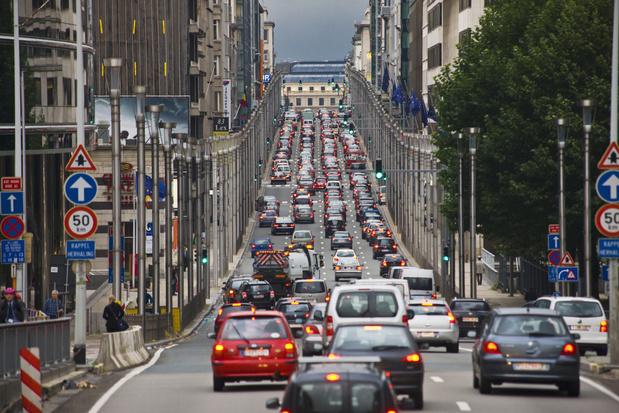 De balans: Brussel wordt stilaan een parallel economisch en politiek universum