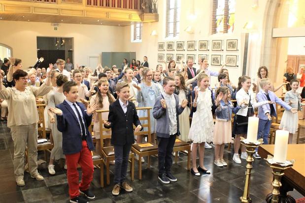VIDEO Vormsels en eerste communies worden uitgesteld tot volgend schooljaar