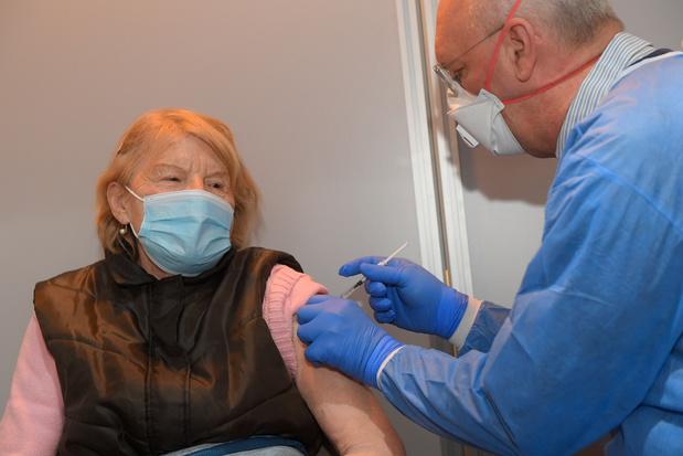 Vaccinatiecampagne: deze twee 'mijlpalen' moeten versoepelingen mogelijk maken