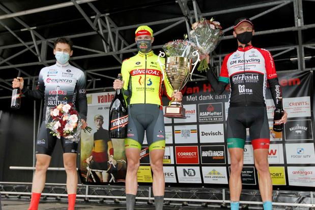 Laurenz Rex wint GP Jules Van Hevel in Ichtegem