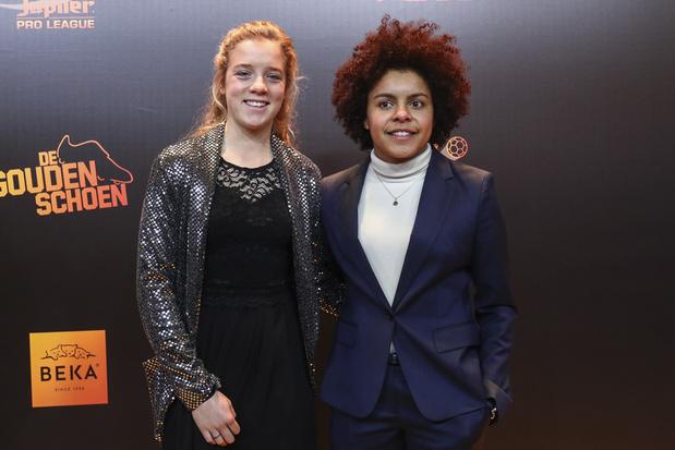 'Waarom we meisjes alle kansen moeten geven om afzonderlijk te voetballen'