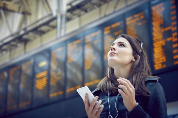 Téléphoner et surfer à l'étranger : comment éviter d'exploser la facture
