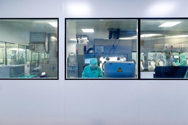 En retard de plusieurs mois, Sanofi lance les essais à grande échelle de son principal projet de vaccin